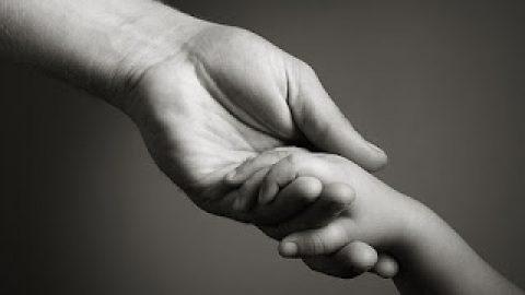 पिता को चाहिए आपका प्यार!